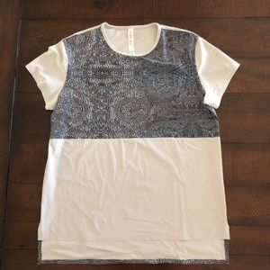 Lululemon Athletica Snapshot Bead Envy Tee Top